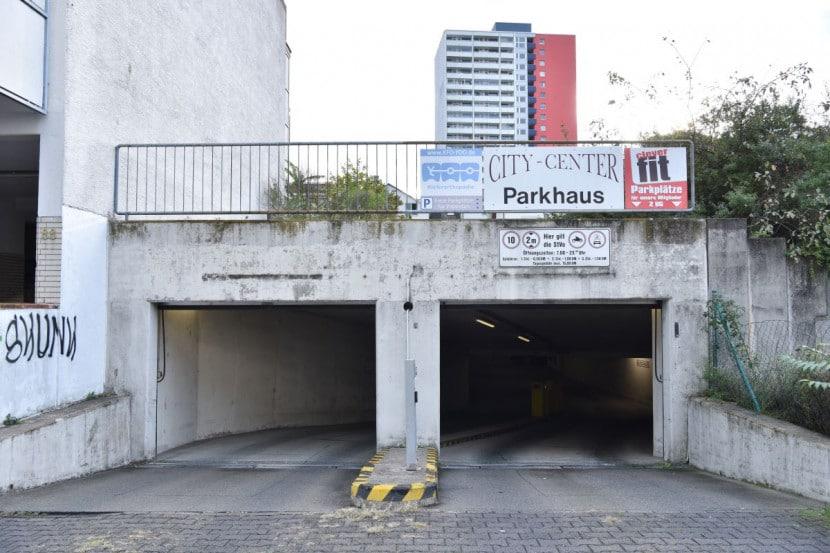 Parkplatz Einfahrt